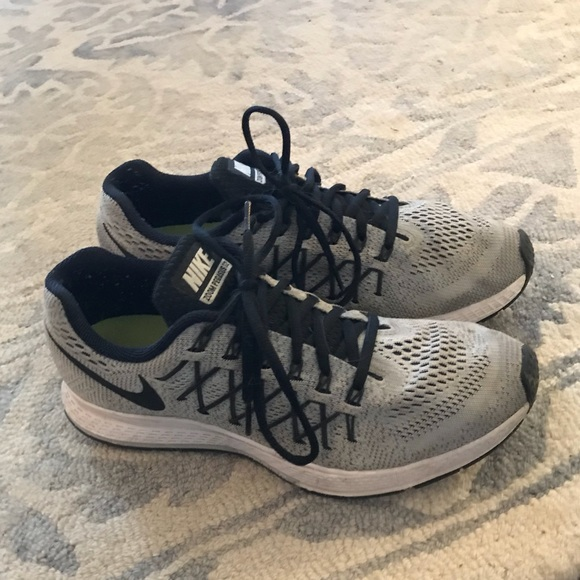 Nike Zoom Pegasus 32 in Grey, Women's Size 10.5